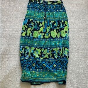 Flowy pattern skirt or beach coverup